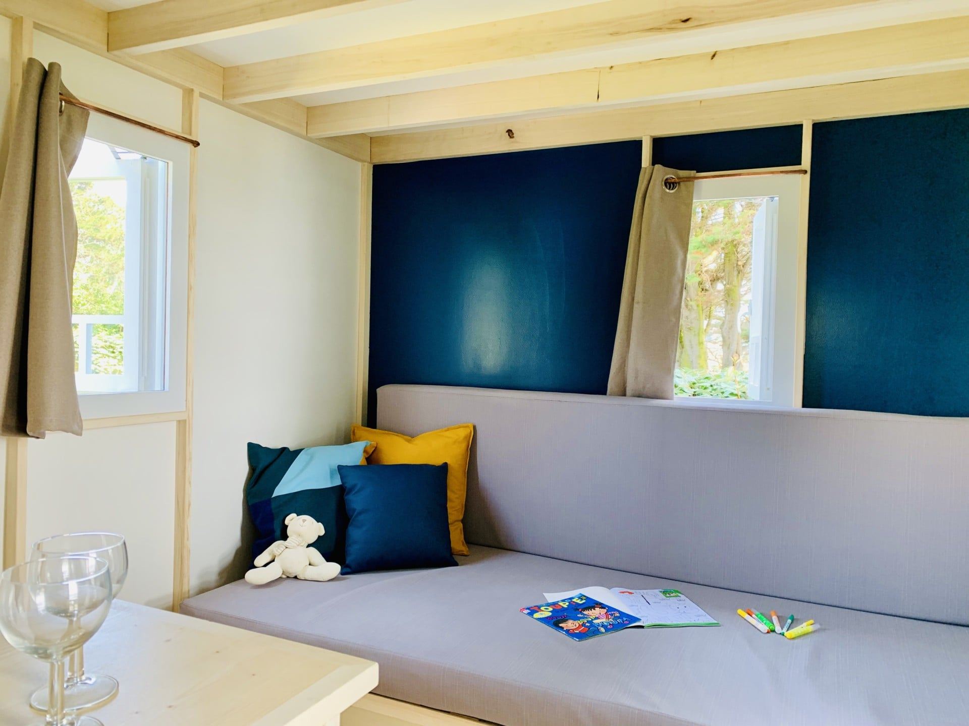 cahute premium camping port blanc dinard salon rez de chaussée