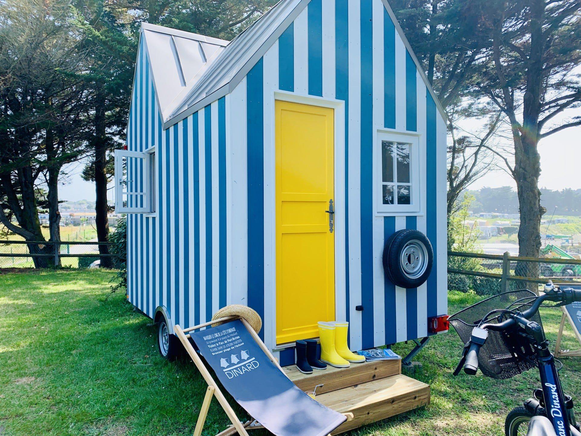 cahute premium camping port blanc dinard terrasse transat